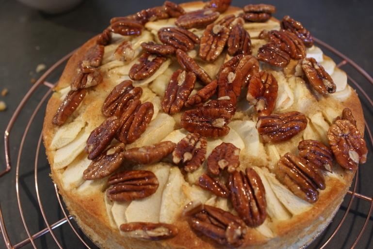 Appelcake met pecannoten